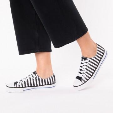 Inselhauptstadt Sneaker in schwarz / weiß